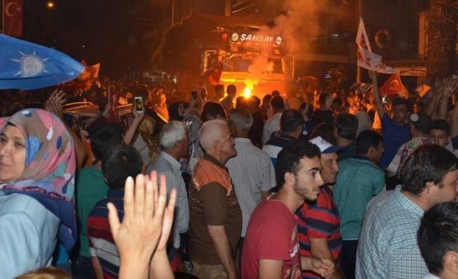 AK Parti Turgutlu'da Zafer Coşkusu Yaşandı