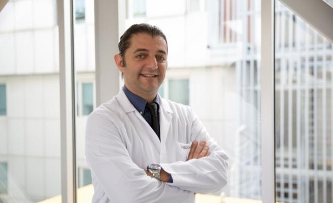 """Dr. Yaşar: """"Akıllı merceklerle ömür boyu gözlüklerinizden kurtulabilirsiniz"""""""