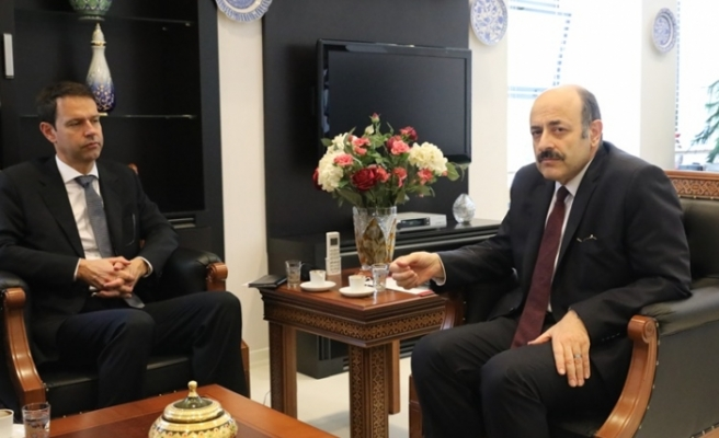 İsviçre Büyükelçisi YÖK Başkanı'nı Ziyaret Etti