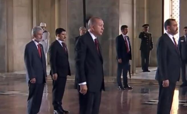 Erdoğan Anıtkabir'i Ziyaret Etti