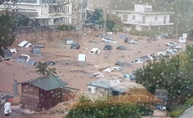 Komşuda Bir Felaket Daha! Bu Görüntüler Şoke Etti Suya Gömüldüler