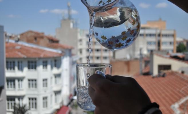 Yaz Aylarında Sıvı Tüketimi Hayati Önem Taşıyor