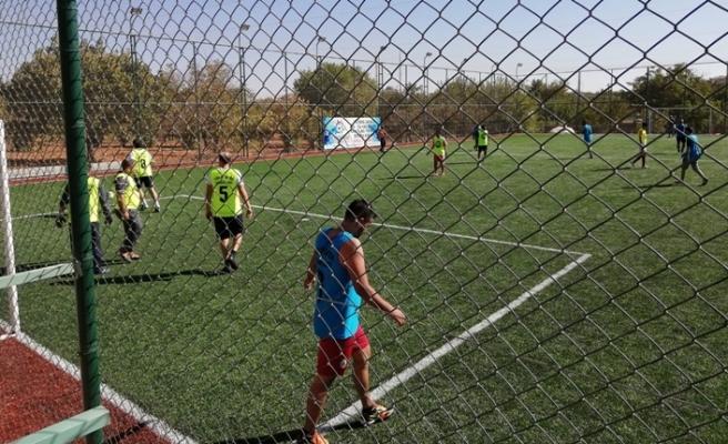 Eğitimcilerden Öğretmenler Günü için futbol turnuvası