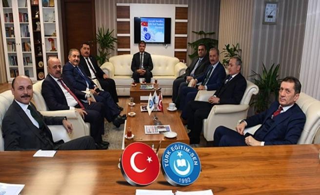 Milli Eğitim Bakanı Ziya Selçuk Genel Başkanımızı Ziyaret Etti