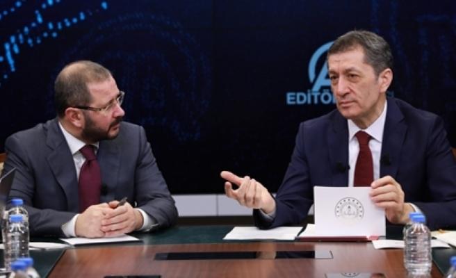 Millî Eğitim Bakanı Ziya Selçuk, Anadolu Ajansı Editör Masası'nda Gündeme İlişkin Soruları Yanıtladı
