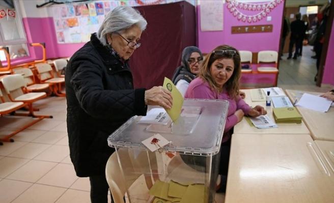 Türkiye,  Yerel Yöneticileri Seçmek İçin Sandık Başına Gitti