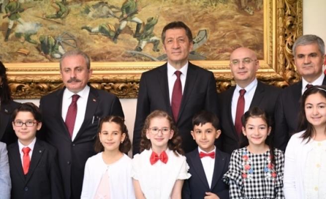 TBMM Başkanı Mustafa Şentop Çocukları Kabul Etti