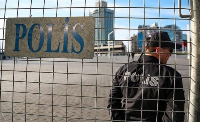 İstanbul'da 1 Mayıs: Taksim'e Çıkan Yollar Kapalı, Gözaltılar Var