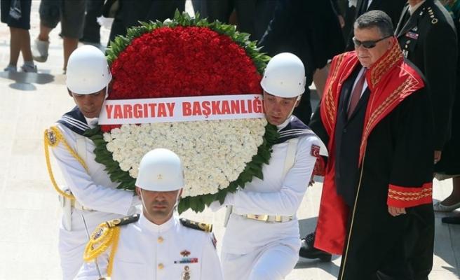 Yargıtay Üyeleri, 2019-2020 Adli Yılı'nın Açılışı Dolayısıyla Anıtkabir'i Ziyaret Etti