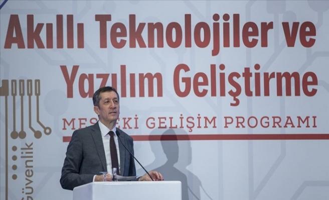 1 Milyon Öğretmene Akıllı Teknoloji ve Yazılım Geliştirme Eğitimi Verilecek