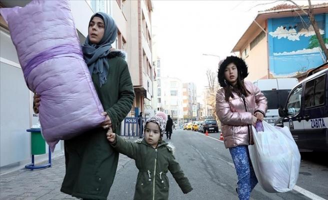 Türkiye Seferber Oldu! Deprem Bölgesine Yardım Malzemeleri Gönderildi