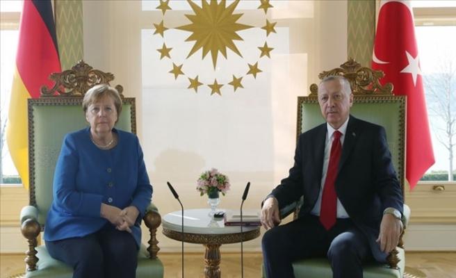 Cumhurbaşkanı Erdoğan ve Almanya Başbakanı Merkel Telefon Görüşmesi Gerçekleştirdi