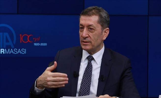 Milli Eğitim Bakanı Ziya Selçuk, Yeni İlkokul ve Ortaokul Tasarımını Anlattı