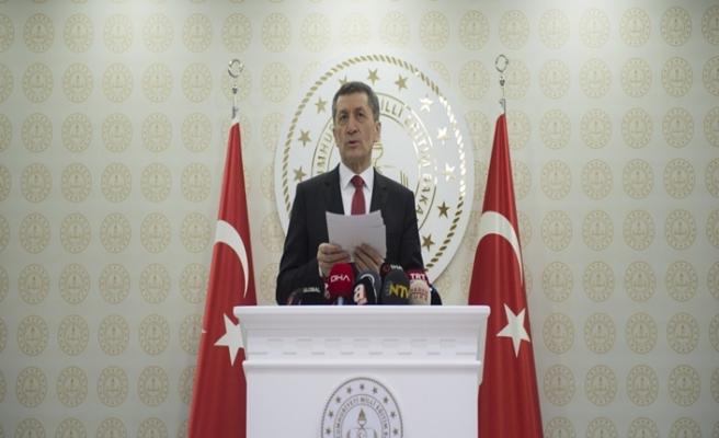 Millî Eğitim Bakanı Ziya Selçuk, Koronavirüs'e Karşı Eğitim Alanında Alınan Tedbirleri Açıkladı