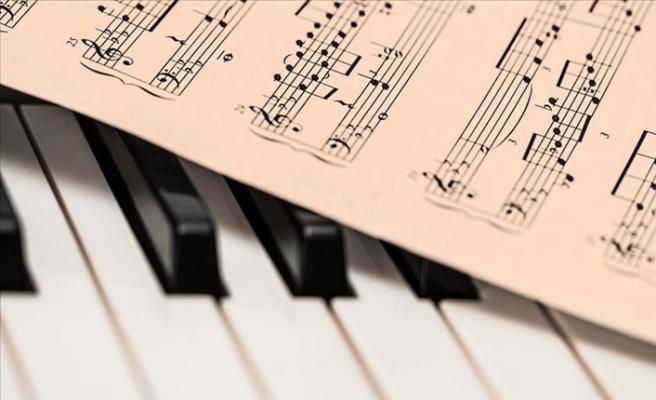 Öğretmenler Evlerde Orkestra Kurarak Müzik Kanalı Açtı