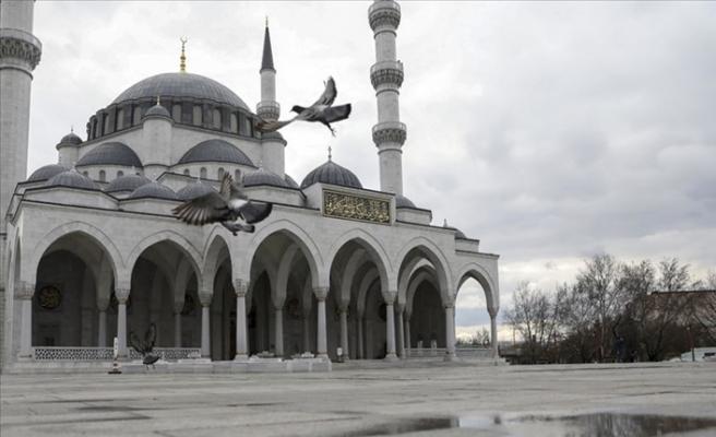 Cuma Namazı Kılınacak Cami Avluları ve Açık Alanlar Belirlendi