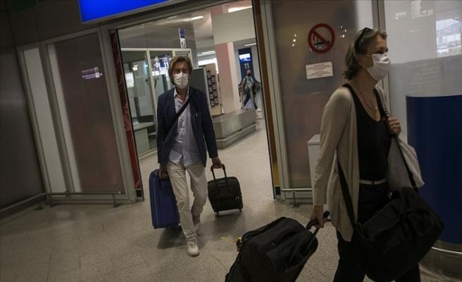 Yunanistan Sınır Kapılarını Açıyor