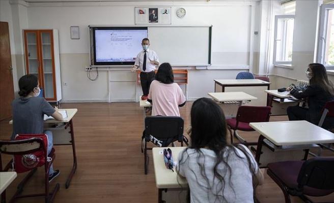 MEB Açıkladı: Kronik Hastalığı Olan Lise Öğrencileri Uzaktan Eğitim Alabilecek
