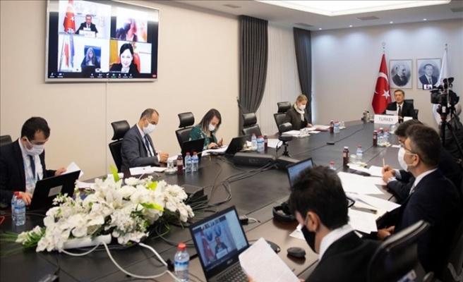 Yabancı Mevkidaşlarıyla Kovid-19 Sürecinde Türkiye'nin Eğitim Modelini Paylaştı