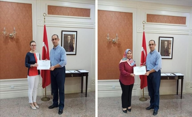 Yunus Emre Enstitüsünün Türkçe Kursunu Bitirenler Sertifikalarını Aldı
