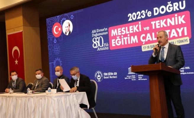 Türk Eğitim-Sen'in Düzenlediği '2023'e Doğru Mesleki ve Teknik Eğitim Çalıştayı' Sona Erdi