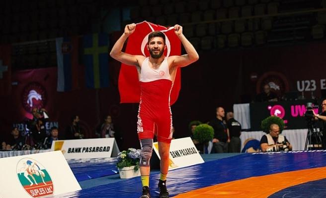 Süleyman Atlı Güreşte Avrupa Şampiyonu Oldu