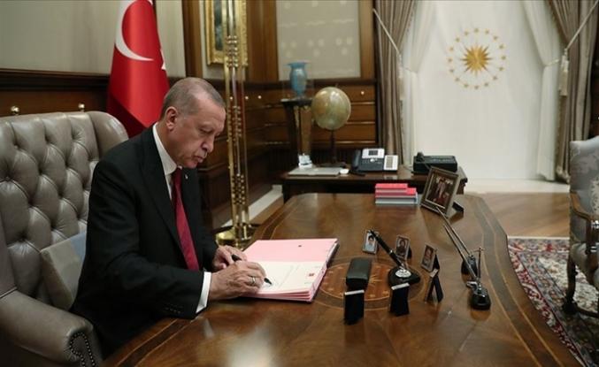 İşte Görevden Alınanlar ve Göreve Getirilenler: Cumhurbaşkanı Erdoğan İmzaladı Kritik Atamalar
