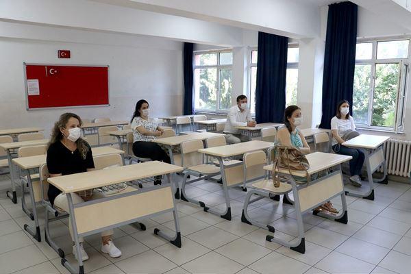 Mesleki Gelişim Programıyla Öğretmenler Okullarda Mesailerine Başladı