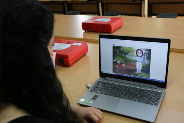 Ortaokul Öğretmenleri Uzaktan Eğitimi Dijital Araçlarla Eğlenceli Hale Getiriyor