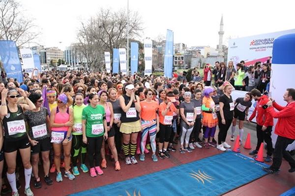 İstanbullu Kadınlar Dünya Kadınlar Günü İçin Koştu