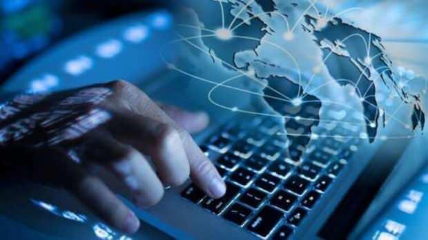 Türkiye'de İnternet Neden Çöktü?